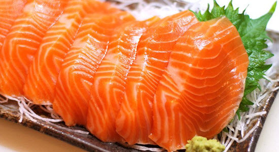 Nên ăn gì và kiêng gì để hồi phục sức khỏe sau sinh?