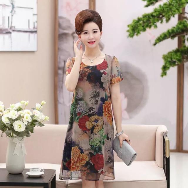 Váy, đầm trung niên
