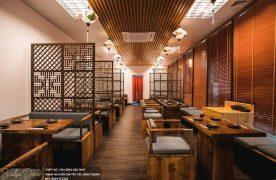 Nên sử dụng chất liệu gỗ cho bàn ghế cũng như lót nệm bọc giúp tạo cảm giác thoải mái cho khách hàng.