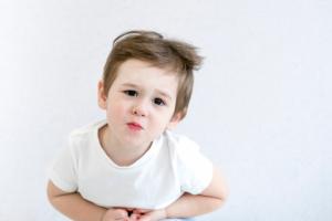 BỐ MẸ NÊN BIẾT: Kích thích hậu môn để chữa bệnh táo bón cho bé
