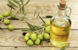 Top 3 cách sử dụng dầu oliu giúp kích thích mọc tóc hiệu quả