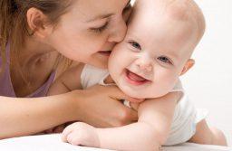 Dùng mỹ phẩm sau sinh: Mẹ bỉm sữa cần biết những gì?